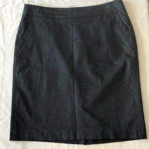 Gray LOFT skirt with pockets- Size 10